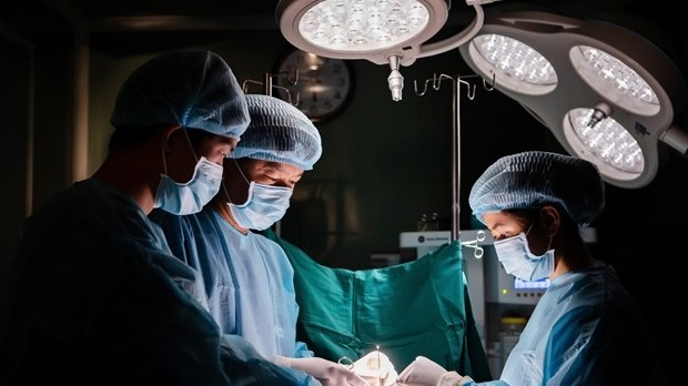 Doctors warn of plastic surgery complications