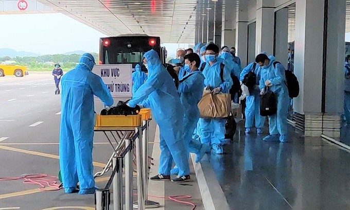 Vietnam tells foreign experts to test for Covid-19 before arriving